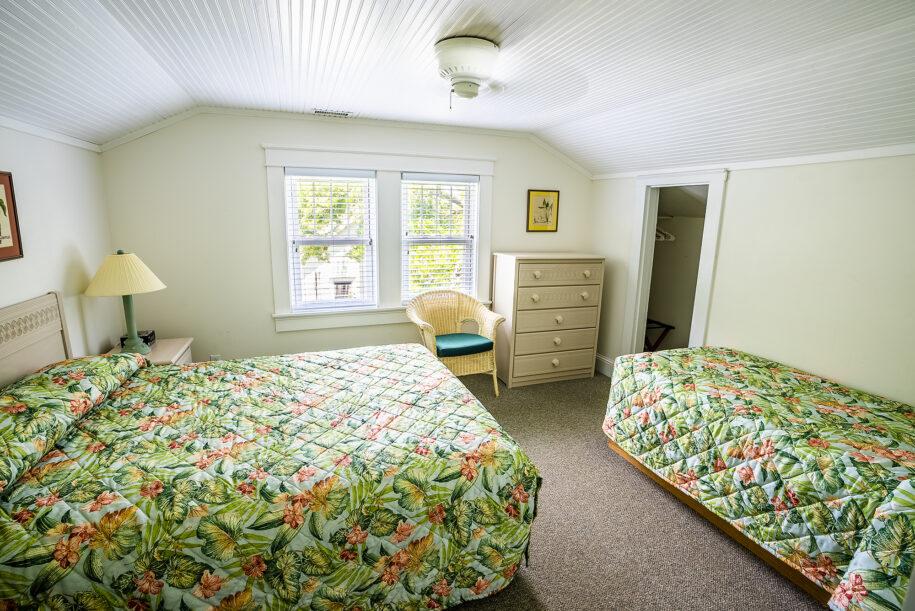 Upstairs left bedroom