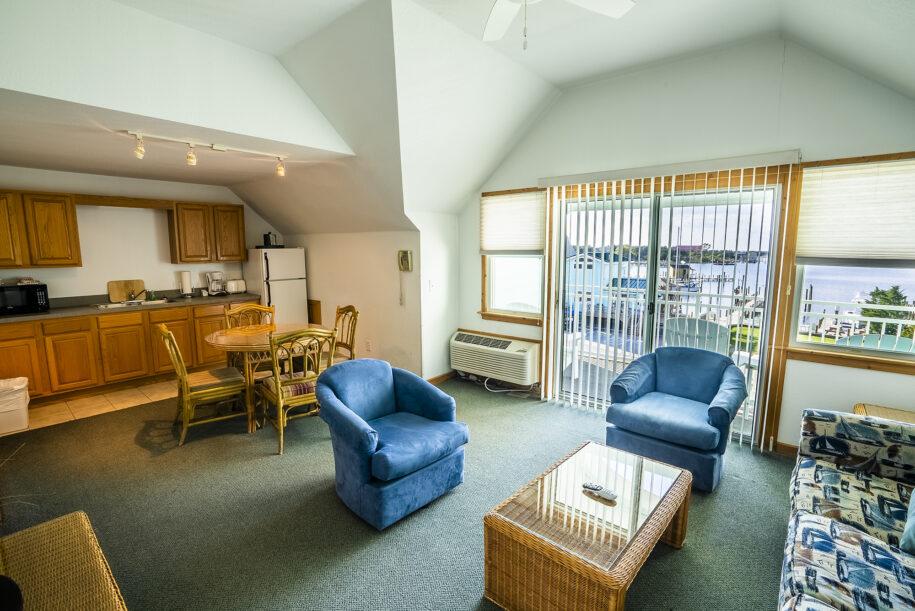 Suite 302 living area