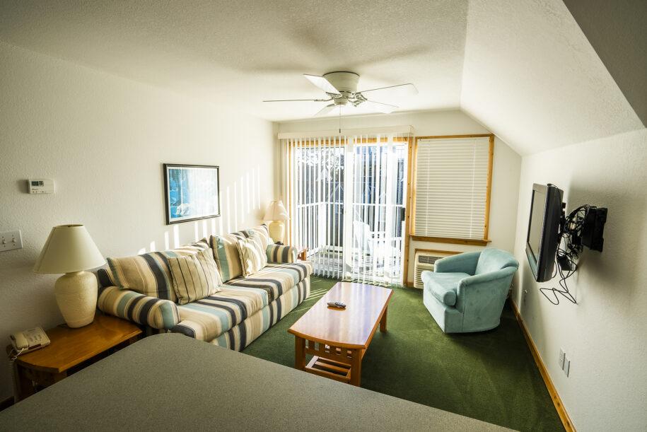 suite 304 living room