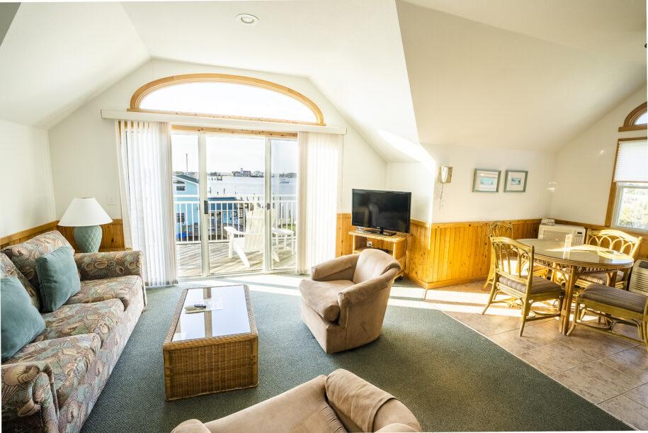 suite 305 living room